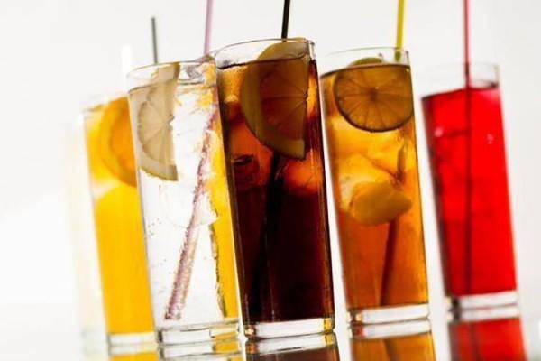 El-sector-pide-un-aplazamiento-del-impuesto-a-bebidas-azucaradas-en-Cataluña-750x500.jpg