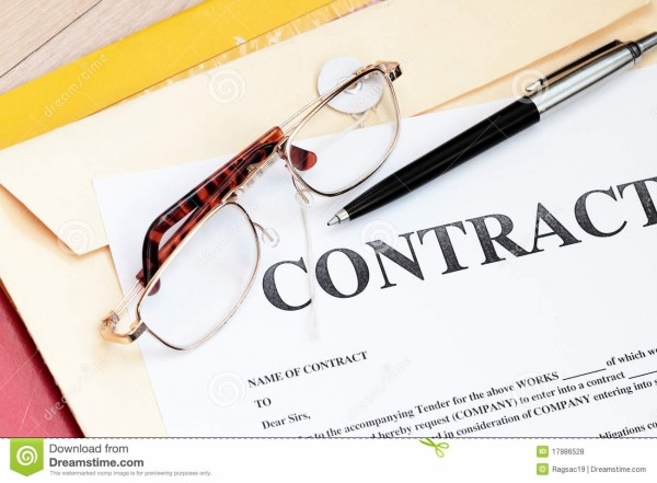 papeles-legales-de-la-ley-de-contrato-17986528.jpg