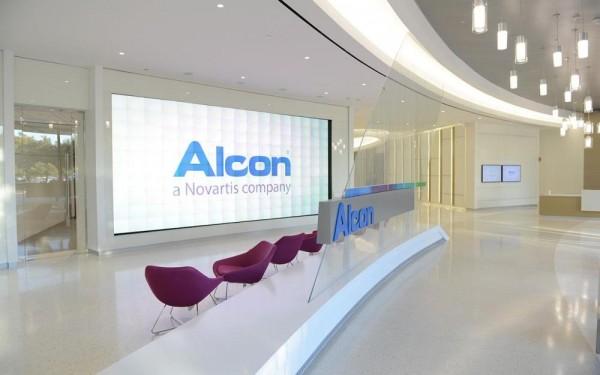 Alcon-experience-center-slideshow-image-01.jpg